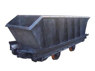 底卸式矿车